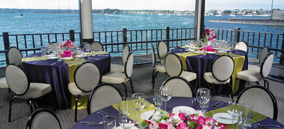 Anthony 39 s fish grotto for seafood dining for Anthony s fish grotto san diego
