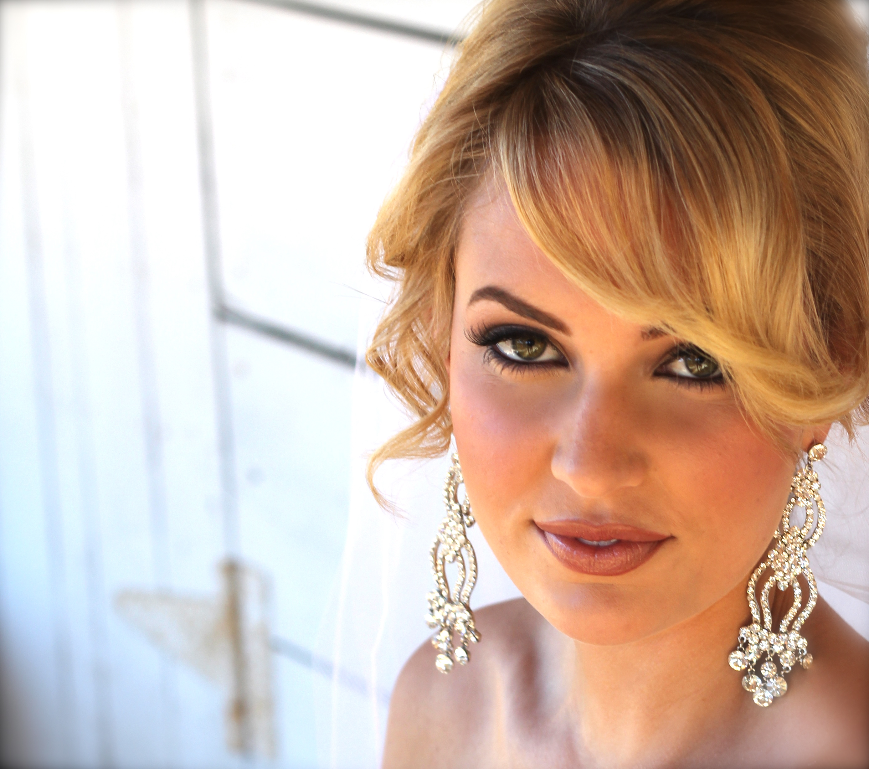 cindy rankin is a premier hair & makeup artist for weddings and on